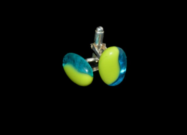 opaque-lime-green-and-transparent-blue cufflinks5